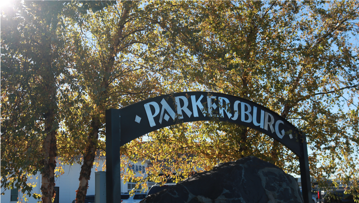 Photo of the Parkersburg Sign
